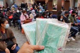 Kemlu kirim paket sanitasi untuk WNI di China