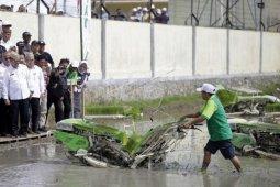 Foto - Mentan saksikan program gerakan tanam padi di Tibawa-Gorontalo