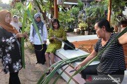 Dekranasda Belitung Timur dorong warga kembangkan produk kerajinan anyaman bambu