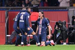 Edinson Cavani cetak gol saat PSG kalahkan Lyon 4-2