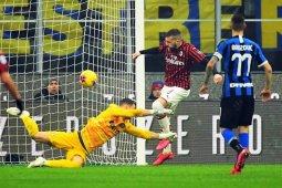 Inter puncaki klasemen setelah balik menang 4-2 dalam derbi Milan