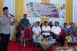 110 Kotabaru farmers receive fund for oil-palm revival