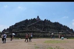 Penutupan lantai candi Borobudur