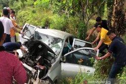 Gubernur Kalteng dengan sigap bantu korban tabrakan beruntun