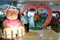 Bandara Ngurah Rai hadirkan suasana Hari Valentine