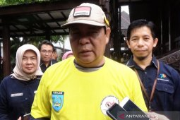 S Kalimantan Governor fills out data in online 2020 census
