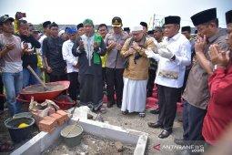 Bupati Bekasi pimpin peletakkan batu pertama Masjid Agung At-Taufiq