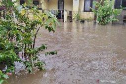 BMKG prediksi hujan disertai petir guyur Bandung hingga Rabu