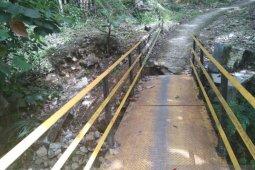 Waduh, akses ke Geopark Ciletuh Palabuhan Ratu dikepung banjir dan longsor
