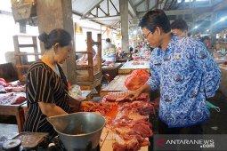 Jelang Galungan, daging babi di Buleleng aman dikonsumsi