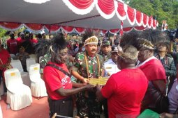 Masyarakat Kamoro serahkan lahan 78 hektare kepada Panglima TNI