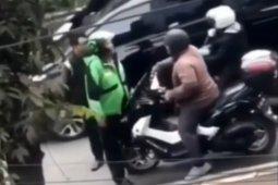 """Polisi lalu lintas berjaket ojek """"online"""" tidak menyangka aksinya viral"""