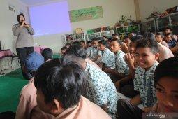 Penyuluhan hukum kepada pelajar