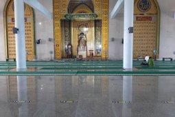 Pemprov Kepri patuhi imbauan Menag untuk  batasi kegiatan di rumah ibadah