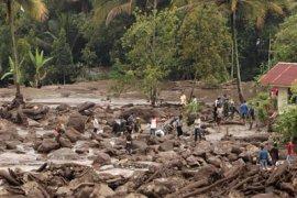 Dua meninggal tertimbun longsor di Tanah Datar