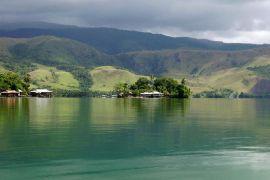 Gelang prasejarah ditemukan di Danau Sentani Jayapura