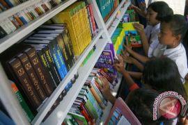 Perpustakaan Nasional sumbang mobil keliling untuk Manado
