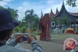 Pelestarian budaya Minangkabau untuk penguatan lembaga adat