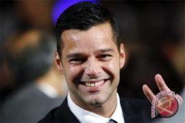 Ricky Martin berjuang melawan perdagangan anak
