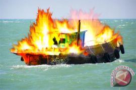 Kapal cepat Pemkab Raja Ampat terbakar