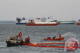 Tumpahan minyak Balikpapan dari pipa bawah laut Pertamina yang patah