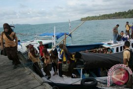 Students of Pulau Sembilan Kotabaru travel by sea for 17 hours for UNBK