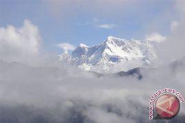 Lima mayat ditemukan dalam pencarian pendaki  yang hilang