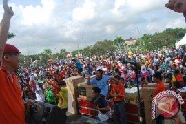 Ribuan Guru Ikuti Jalan Santai