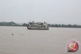 Kapal Berpenumpang 47 Orang Terbalik di Kutai Kartanegara