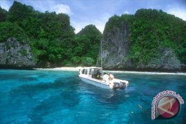 Kapal asing diduga tabrak karang di Raja Ampat