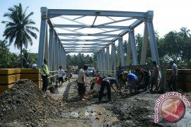 Pengamat : pemerintah harus benahi infrastruktur