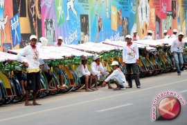 Ratusan abang becak SEA Games Palembang syukuran