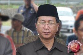 Plt Gubernur jemput surat pemberhentian Agusrin