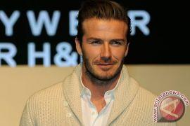 David Beckham dan anaknya tabrakan mobil