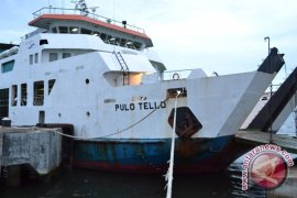 Dua kapal angkut 1.911 pemudik Pulau Enggano