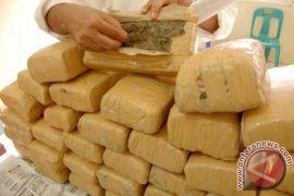 Polres Lhokseumawe gagalkan pengiriman 10 bal ganja kering ke Sumut