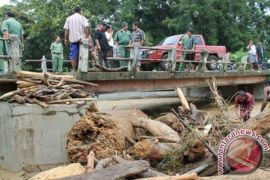 BPBD: pembersihan dilanjutkan pasca banjir Mandailing Natal