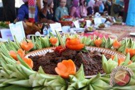 Rendang-Ikan kaye, penambah nikmat makan jemaah