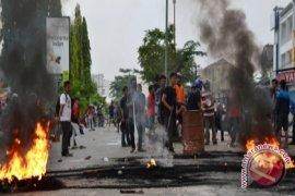 Mahasiswa Blokir Jalan Protokol di Samarinda