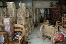 Kerajinan rotan Cirebon masuk pasar Amerika dan Eropa