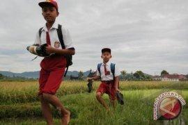 DPRD Sesalkan Keterlambatan Penyaluran Dana Bos
