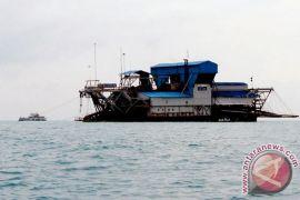 Bupati Belitung Timur tolak kapal hisap timah