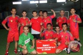 Tim Kisel Juara Futsal HUT Telkomsel