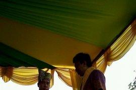 Raja Tayan Ajak Investor Bangun Daerah
