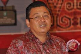 Gubernur: Hak Konstitusional Masyarakat Adat Kedepankan NKRI