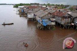 Persentase Penduduk Miskin Kalbar Tertinggi di Kalimantan