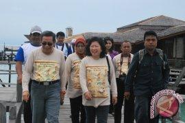 Camat Derawan Benahi Wilayah Desa Wisata