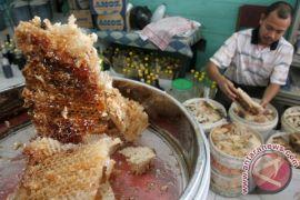 Polresta Barelang gerebek pabrik madu oplosan