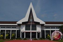 Biro Pengelolaan Aset Pemprov Kalbar segel sejumlah rumah dinas