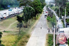 Jalan nasional di Cianjur banyak yang rusak